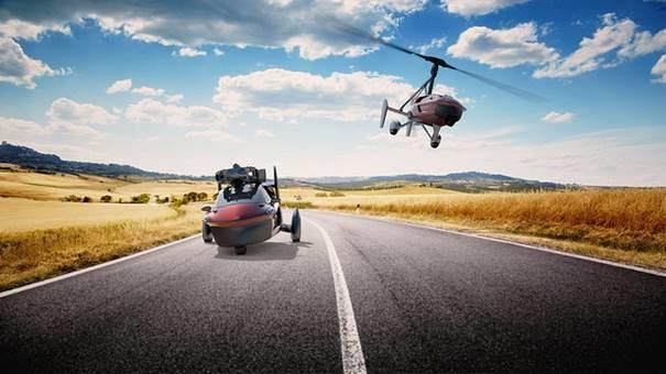 MediaMarkt zet vliegende auto in winkelschap