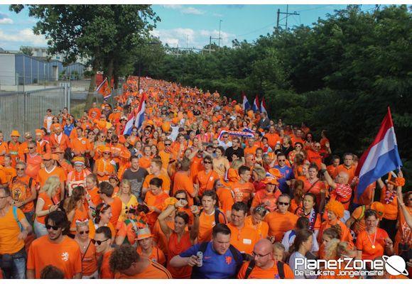 Foto's EK Voetbal Vrouwen Oranje Parade Enschede (Ned – Engeland ) 3 aug 2017 1/2