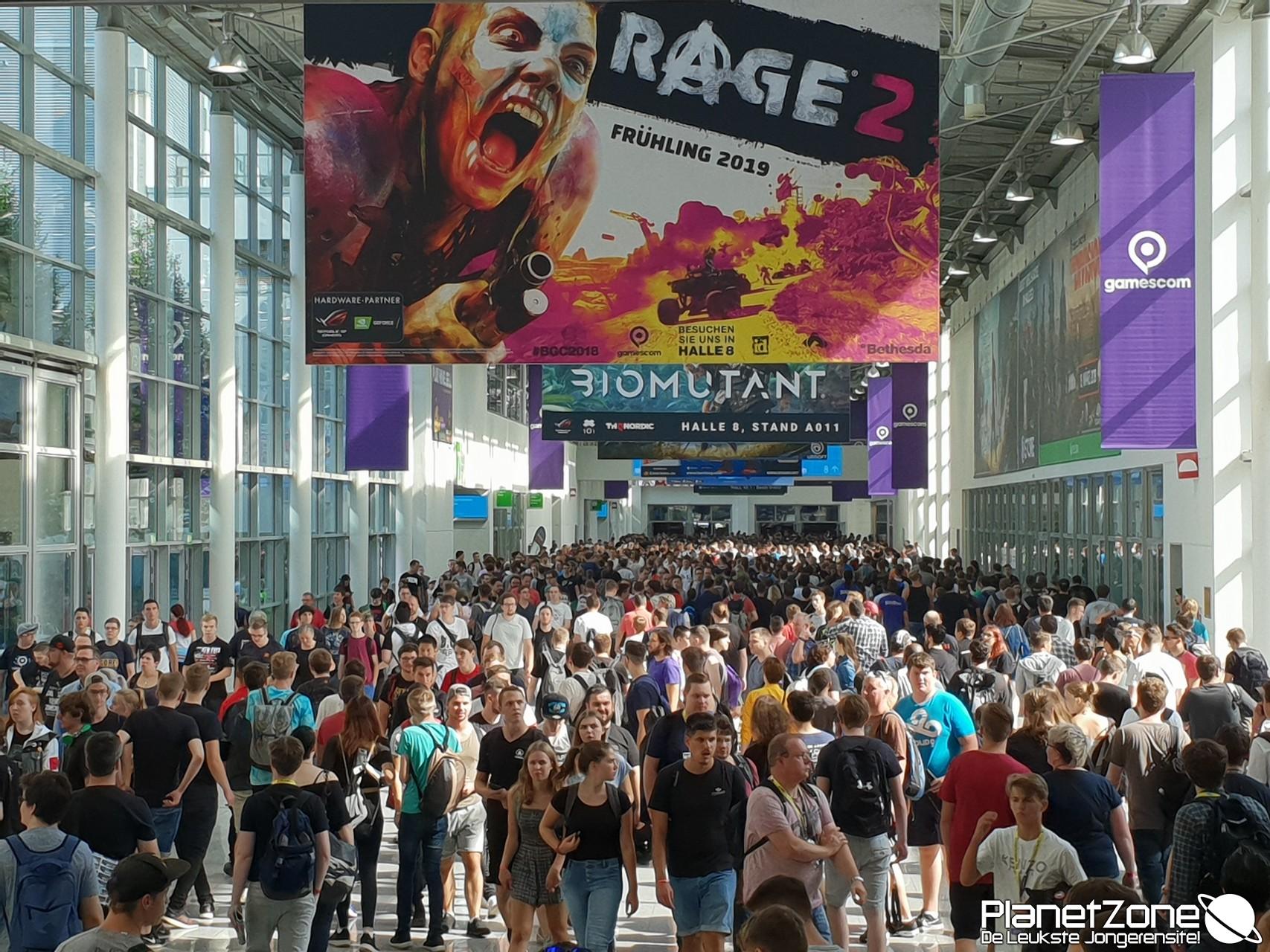 Duizenden jongeren at Gamescom