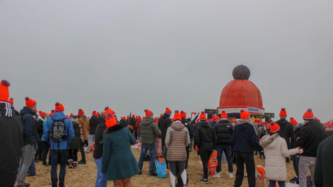 Foto's  Nieuwjaarsduik Scheveningen 1 januari 2020 1/2
