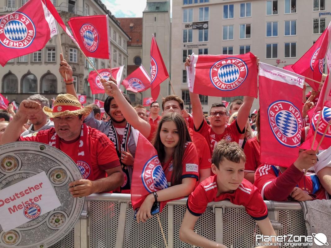 Foto's & Video FC Bayern München huldiging Marienplatz 1/2