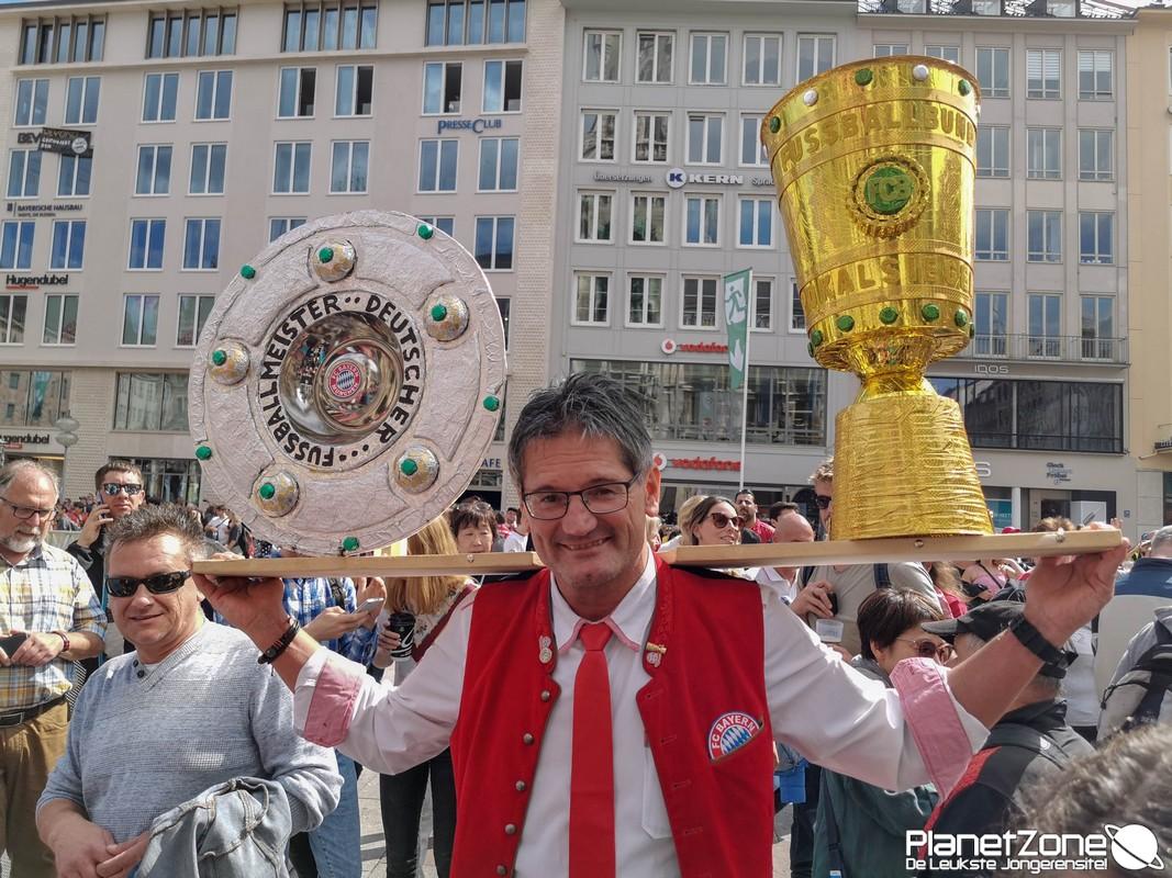 Foto's & Video FC Bayern München huldiging Marienplatz 2/2