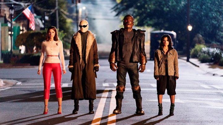 Het eerste seizoen van Doom Patrol is vanaf 25 maart beschikbaar op DVD