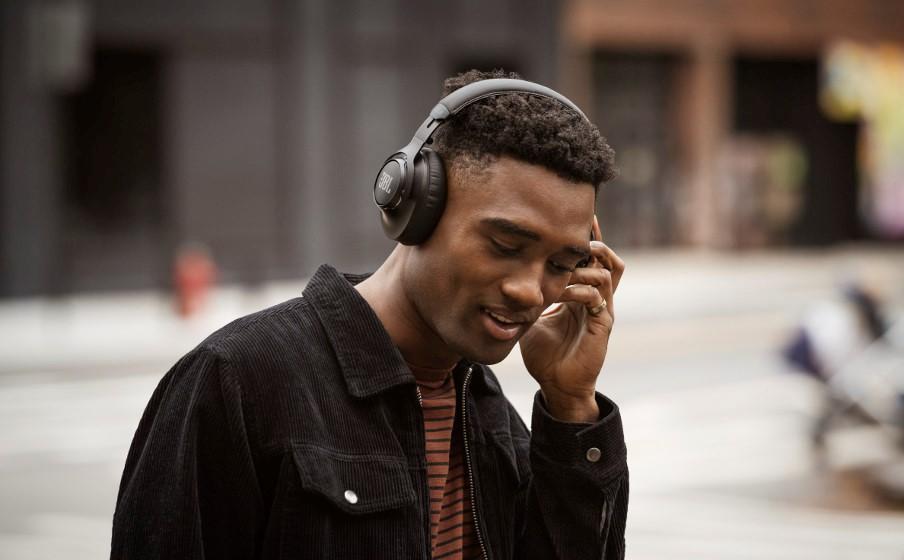 JBL CLUB hoofdtelefoon serie: pro-geluid ontworpen voor dagelijks gebruik