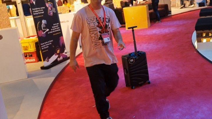 PZTV IFA Berlijn: Handig! Een koffer die je achtervolgt!