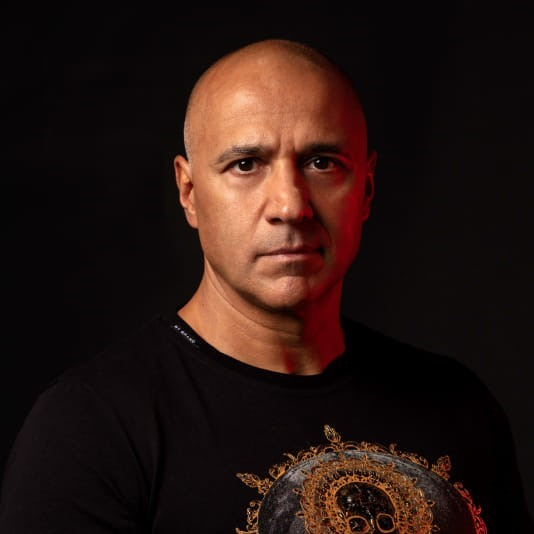 Qmusic strikt Paul Elstak voor jubileum Foute Party